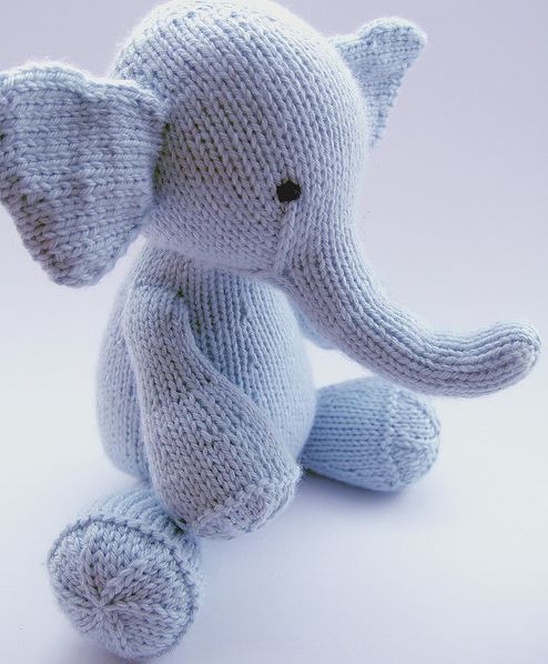knitted elephant the knit cafe