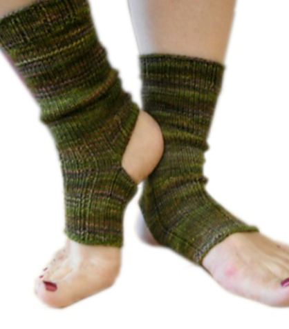 Knitting Pattern For Yoga Socks : sock patterns the knit cafe