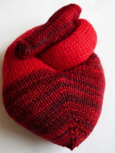 heart knit pattern | the knit cafe