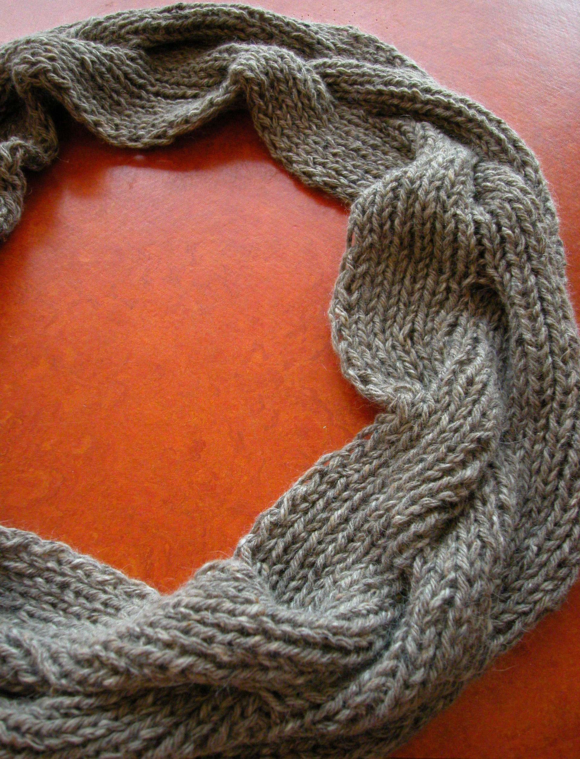 Cabled Cowl Knitting Pattern : cabled cowl 2