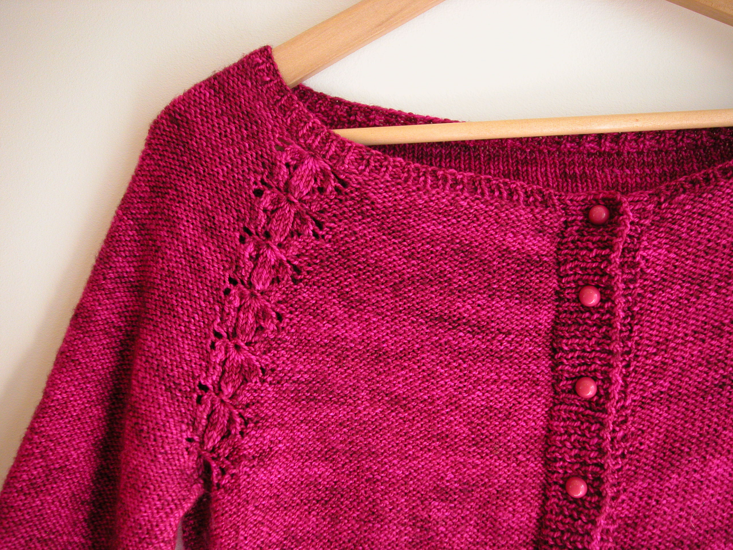 dcba83c3731e79 You can find the Lobelia pattern on Ravelry HERE and check out Pom Pom  Quarterly HERE
