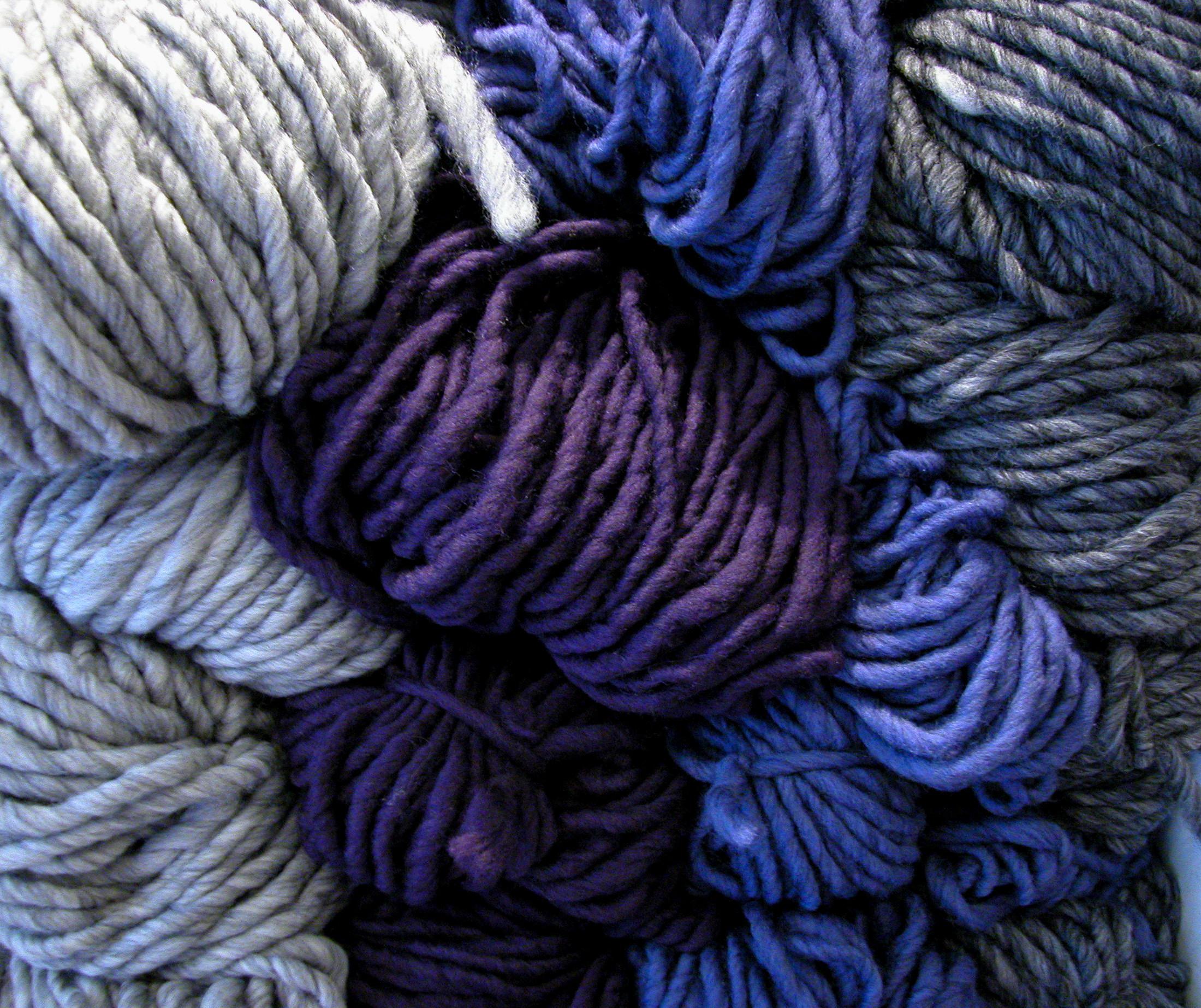 Knit Cowl Pattern Super Bulky Yarn : super bulky yarn cowl pattern the knit cafe